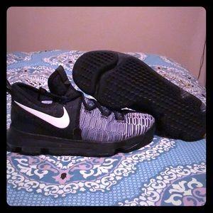 Nike KD 9 Black and White